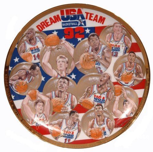 """1992您巴塞罗那奥运会起头,好国男篮派出""""梦之队""""参赛,从那当前,中国男篮取""""梦之队""""四次会面。"""