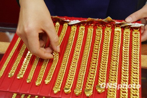 China gold consumption plunges 12.91 pct in 2019