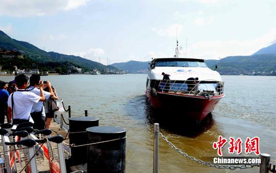 资料图:游轮从福州市马尾港驶往马祖。刘可耕 摄