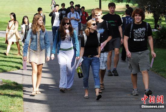 美国侨报网:美国大学与高中的20个不同之处