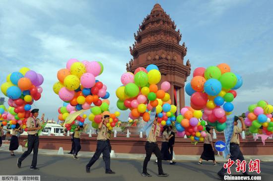 资料图片:柬埔寨首都金边市中心举行活动。