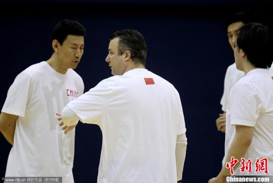 资料图:李楠此前多次担任中国男篮国家队助教。Alexander wang 摄 图片来源:CFP视觉中国
