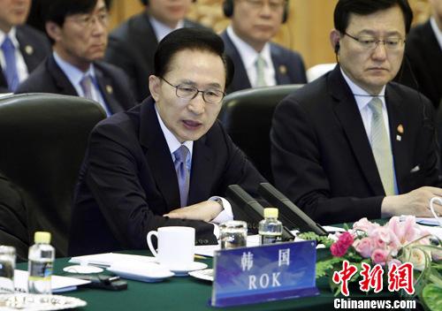 资料图片:韩国总统李明博。