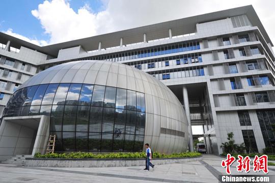 7月1日,香港大學深圳醫院試營業。<a target='_blank' href='http://www.chinanews.com/'>中新社</a>發 陳文 攝