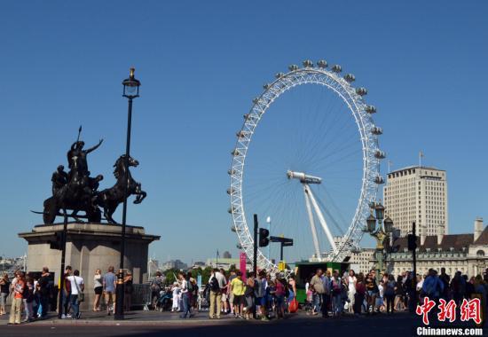 资料图:伦敦眼◆‒◘。中新网记者 陈静 摄