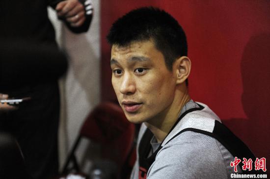 """资料图:林书豪。在跟老鹰""""和平分手后"""",林书豪期待在猛龙实现关于篮球的梦想。<a target='_blank' href='http://www.chinanews.com/'>中新社</a>发 陈钢 摄"""