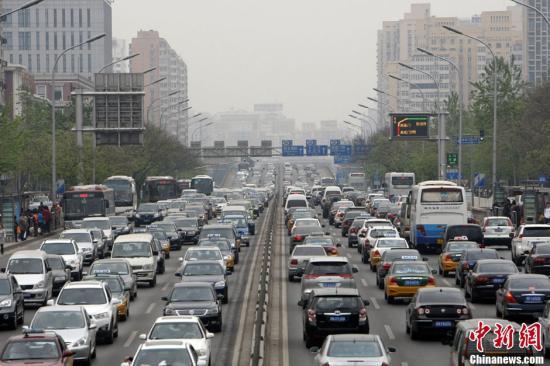 """北京12条城区主干路全面""""疗伤"""""""