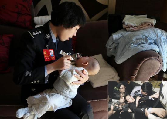 """蒋敏是成都市公安局反恐怖工作支队政治协理员。在汶川大地震中,她失去了包括母亲、两岁女儿在内的10名亲人,但始终坚持在救灾一线,因过度劳累曾多次昏倒在救援现场,被称为""""中国最坚强女警察""""。2012年11月,作为十八大代表,蒋敏抱着只有四个月大的儿子赴北京参会,开始了开会、孩子""""两手抓""""的忙碌生活,""""虽然比较辛苦,但是能把宝宝带在身边还是觉得挺幸福的!""""大图为2012年11月13日,蒋敏回到房间给孩子涂湿疹药膏。金立旺 摄 图片来源:新华网 小图为2008年5月17日晚,蒋敏因为过分疲劳,在参加救援的时候晕倒在现场。"""
