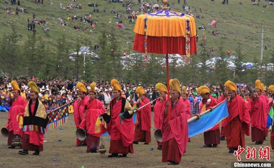 """""""道得尔""""是藏   、汉文化的一种特殊混合体  ,充分体现了藏   、汉族文化的密切交流与融合。丁思 摄"""
