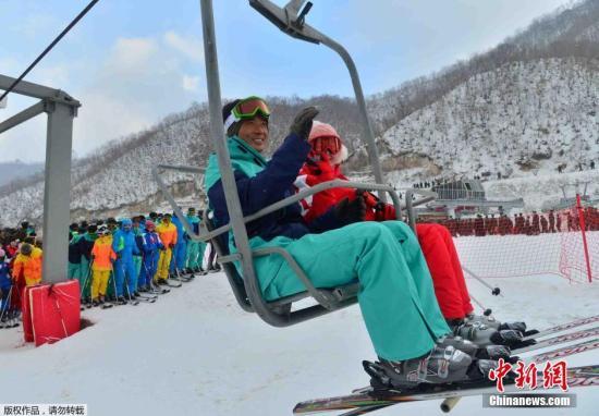 朝鲜马息岭滑雪场2013年12月31日举行了竣工仪式。该滑雪场位于江原道元山地区。