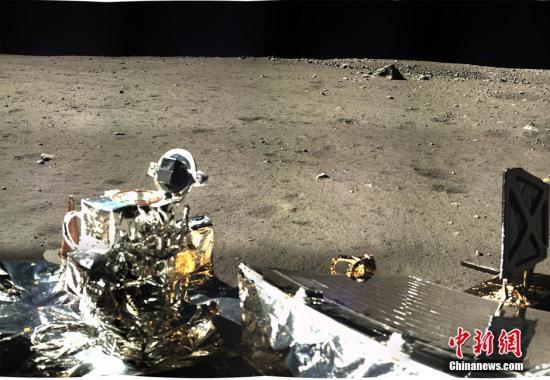 """期待""""嫦娥""""让月球表面第一次开花、第一次破茧"""