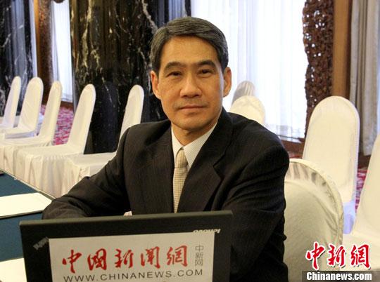 香港两位前警务处长谴责暴徒 呼吁市民撑警执法