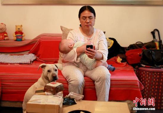 华南师大教授:建议让女性休一年产假 全心全意带孩子