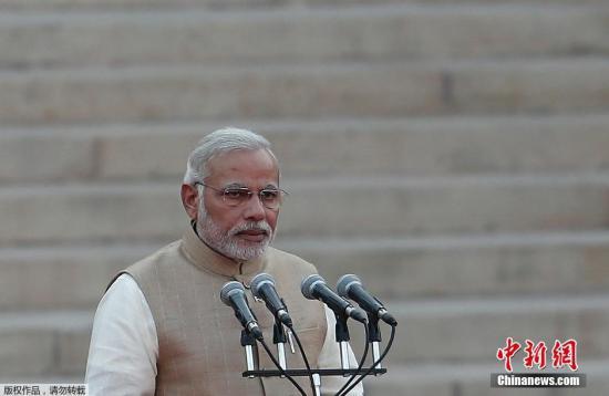 """印度总理28年来首访澳 """"莫迪粉""""载歌载舞欢迎"""