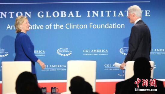 克林顿承认基金会收过外国捐款 均用于慈善项目