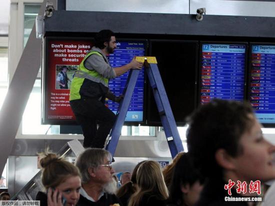 当地时间年6月27日,澳大利亚悉尼机场所有国内航班受断电影响,数千名乘客被滞留。