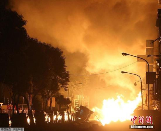 资料图:台湾高雄市前镇区2014年8月1日凌晨发生燃气爆炸。