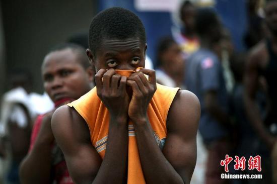埃博拉致死人数近1300人 利比里亚宣布宵禁隔离