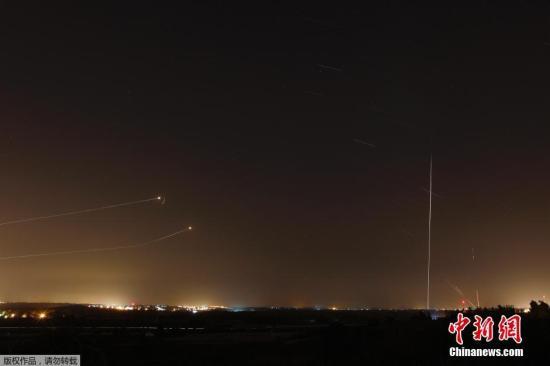 以色列再遭火箭弹袭击 关闭两处加沙通行区