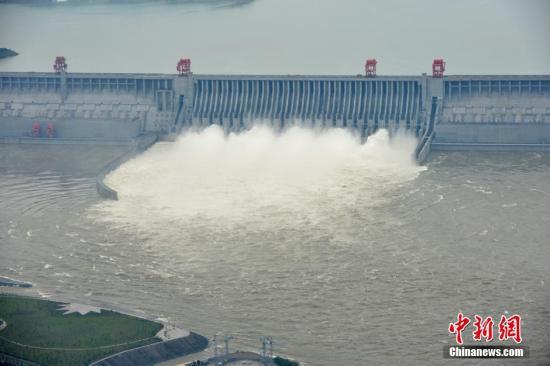 国家防总:强化水库、水电站等水利工程的巡查防守