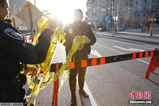 英国当局警惕恐怖袭击 伦敦景点将部署武装士兵