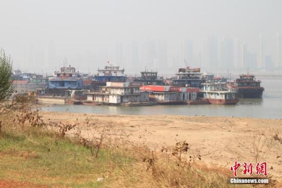 水利部:一些河流仍存非法采砂等问题 将专项整治
