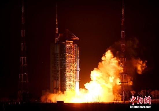长征二号丙运载火箭。 资料图 中新社发 路俊 摄