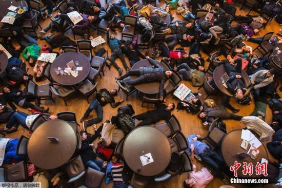 美国弗格森骚乱被捕记者面临庭审 坚称未暴力示威