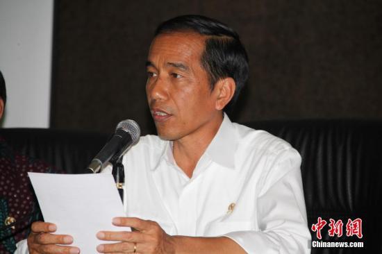 <b>印尼多省林火肆虐 佐科:官员无力遏制火势将被开除</b>