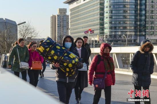资料图:北京大风天气。 中新社发 郭莎莎 摄