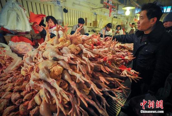 资料图:鸡肉市场。刘新 摄