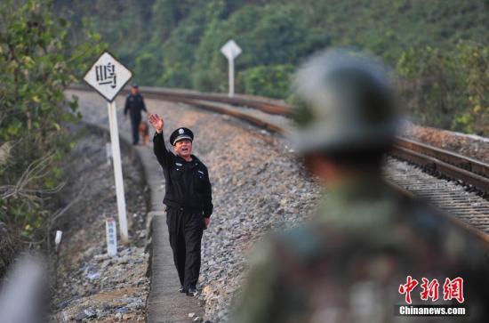 """云南铁路中越国际联运运量呈""""井喷式""""增长-中新网"""