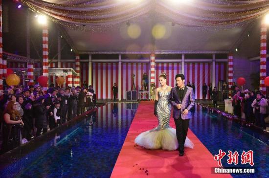 资料图:周杰伦与昆凌在台湾补办婚宴,宴请台湾演艺圈前辈和好友。图片来源:CFP视觉中国