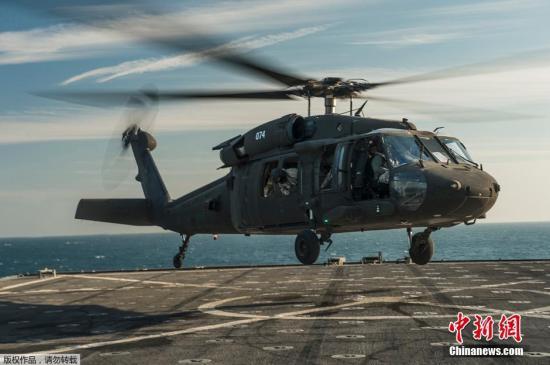 "�Y料�D:美��UH-60""黑��""直升�C。"