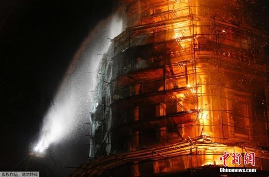 莫斯科新圣女修道院钟楼发生火灾 现场无伤亡