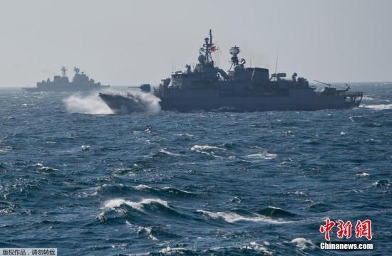 资料图:北约多国在黑海举行联合军演。