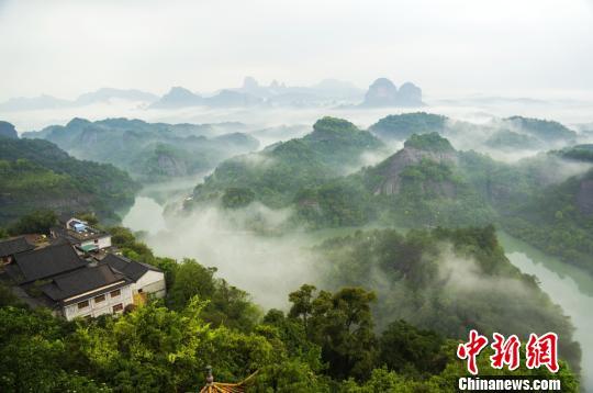 资料图:广东丹霞山。刘加青 摄