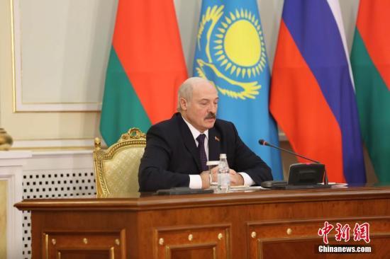 白俄罗斯总统卢卡申科决定解散现政府图片