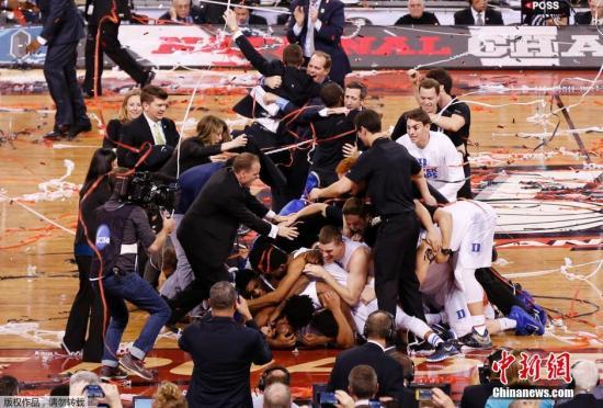 资料图:2015年NCAA总决赛,杜克大学夺冠。每一年NCAA的总决赛都会受到大量美国观众的注意。