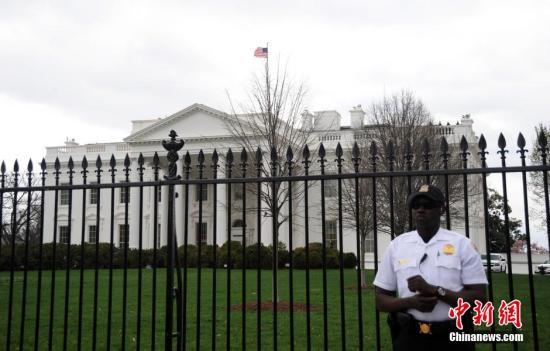 美国首都华盛顿当地时间4月7日突发大范围停电,白宫、国会和国务院等机构都受到波及。白宫据称曾短时间停电。&#10;图为7日下午的白宫。&#10;<a target='_blank' href='http://www.chinanews.com/'>中新社</a>发 张蔚然 摄