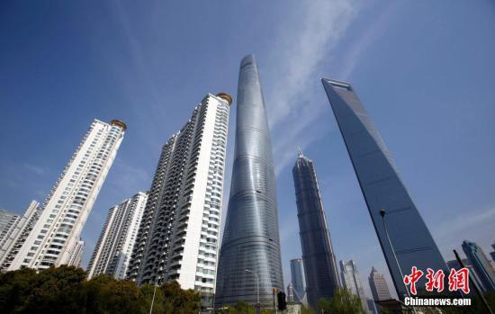 图为上海浦东陆家嘴高楼林立。 汤彦俊 摄