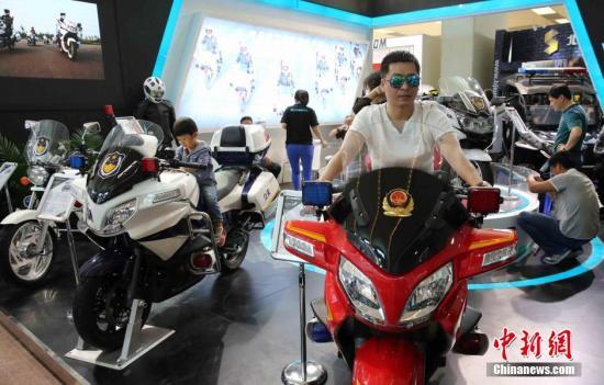 资料图:某技术装备展览会在北京举行。