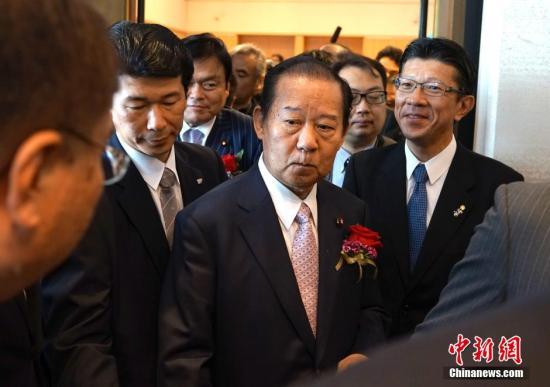 """日本自民党干事长:对安倍修宪""""需慎之又慎"""""""