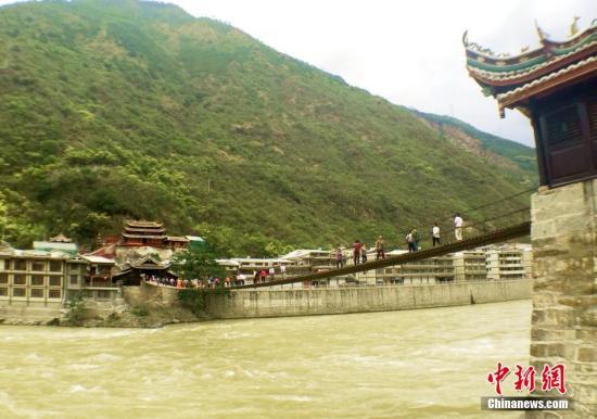 资料图:泸定桥。中新社发 刘忠俊 摄