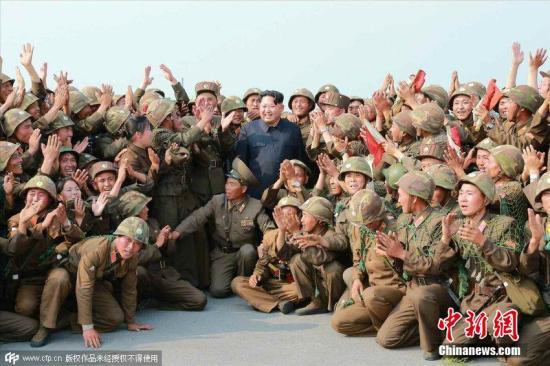 朝鲜人民军官兵举行忠诚仪式 向金正恩宣誓尽忠