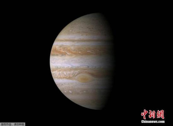 5年18亿英里,朱诺号探测器将抵木星展开发现之旅