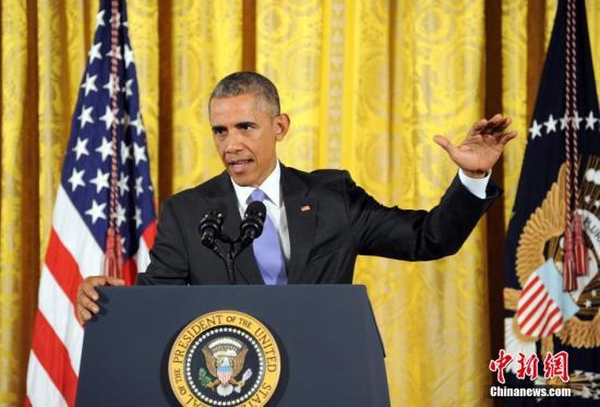 资料图:2015年7月,奥巴马出席记者会,为伊核协议辩护。