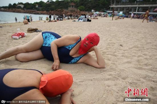脸基尼大妈。雪魂 摄 图片来源:CFP视觉中国