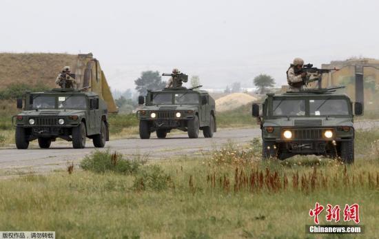 资料图:北约国家和格鲁吉亚军人参加军事演习。