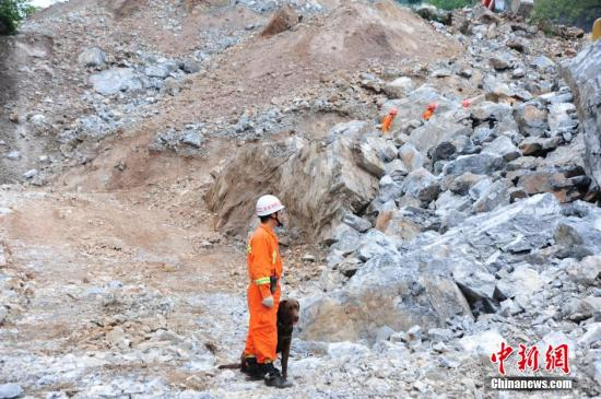 Shaanxi landslides continued: the landslide site found that the first victims